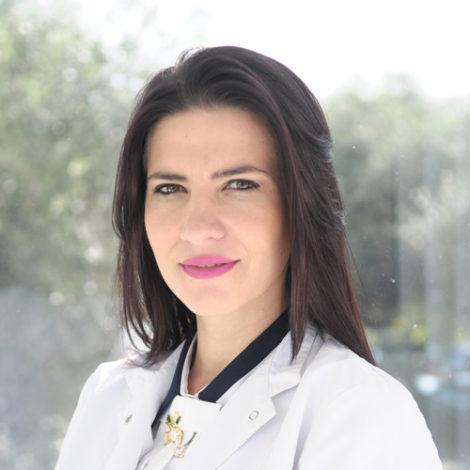 Dr. Redrina Kosta