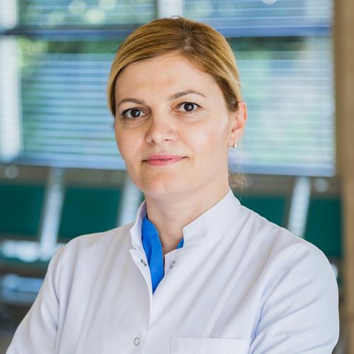 Dr. Arjeta Dedej